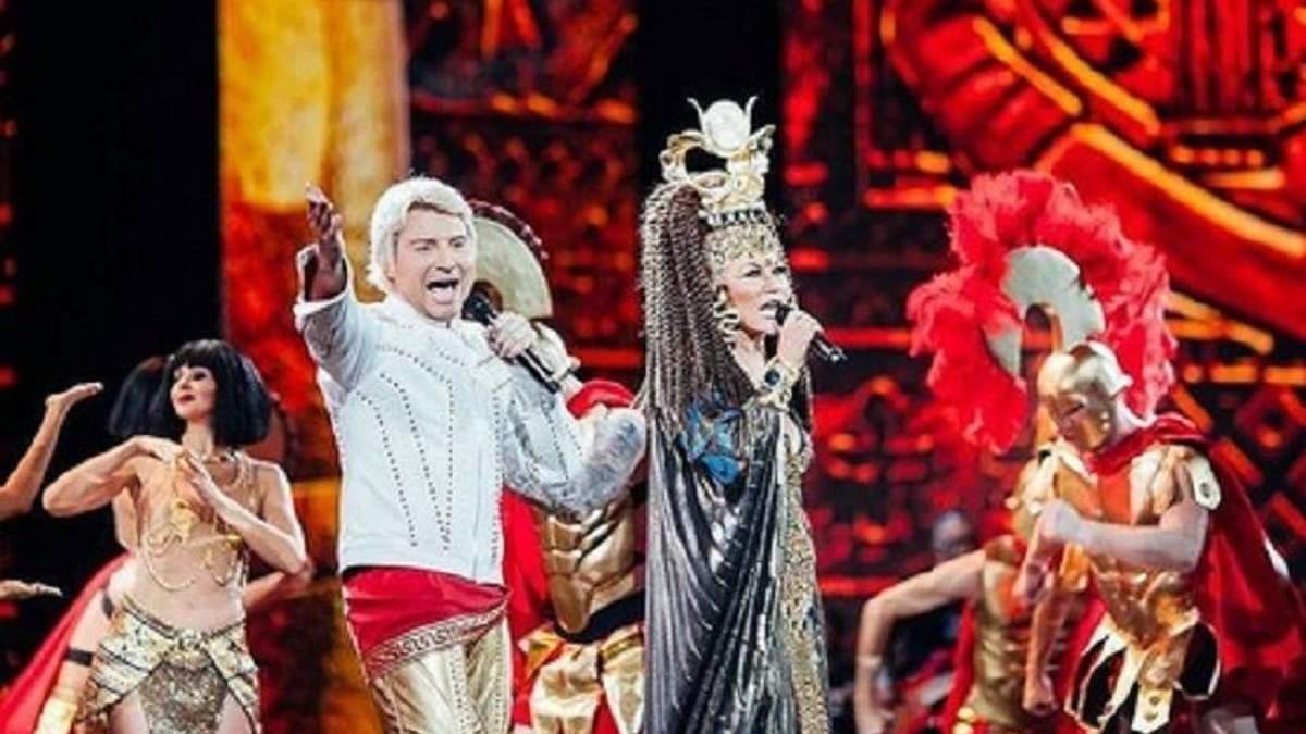 Повалий оделась в Клеопатру и вышла на сцену Кремля