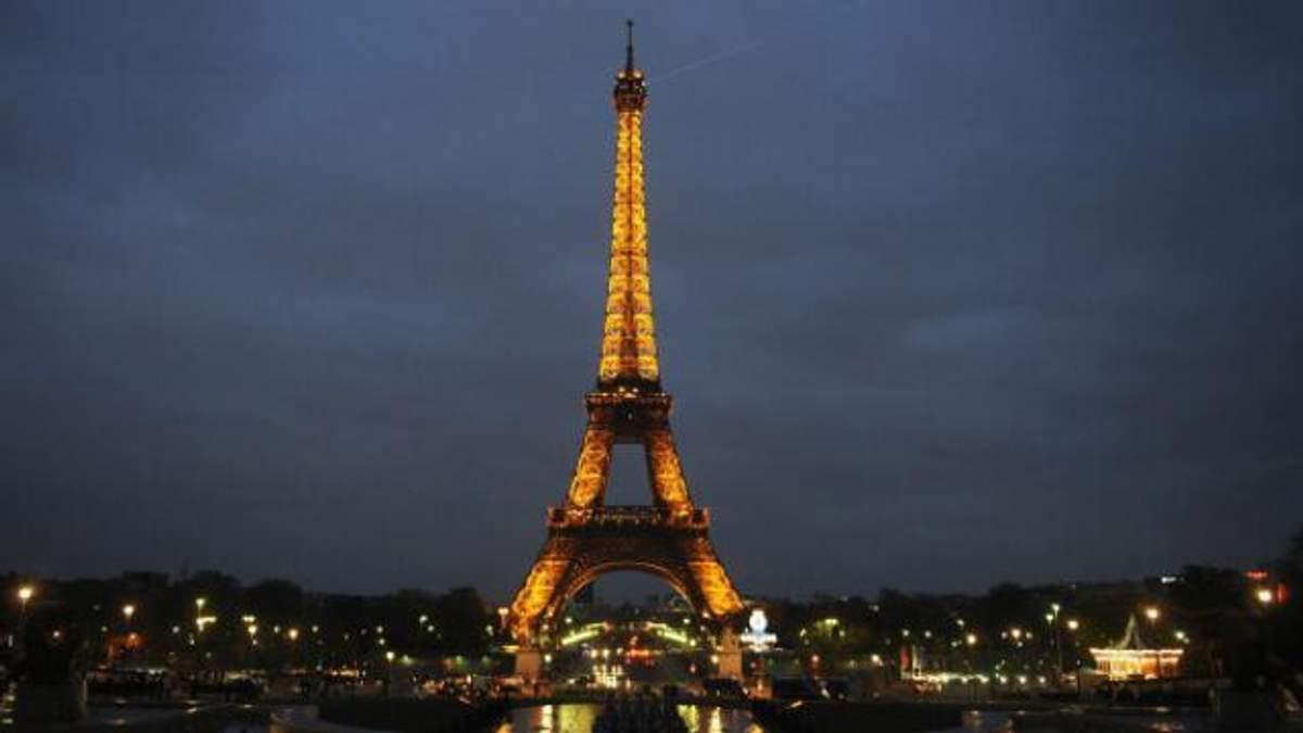 Весь Париж за 13 євро: як купити найдешевші квитки на Ейфелеву вежу