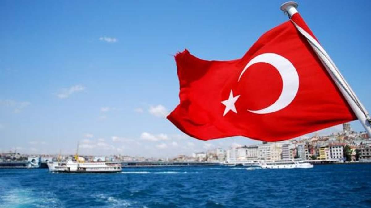 Українці можуть без закордонних паспортів їздити до Туреччини