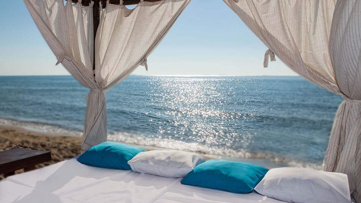 Пляжі Одеси 2021 з басейнами: найкращі місця – ціни та умови