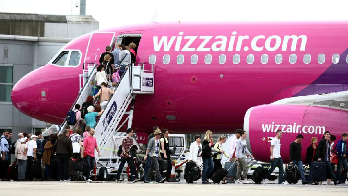Wizz Air скасовує плату ручної поклажі: нові розміри і правила
