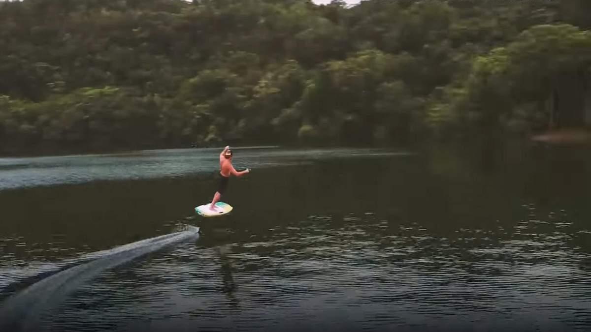 В Пуэрто-Рико изобрели уникальную доску для серфинга при отсутствии волн