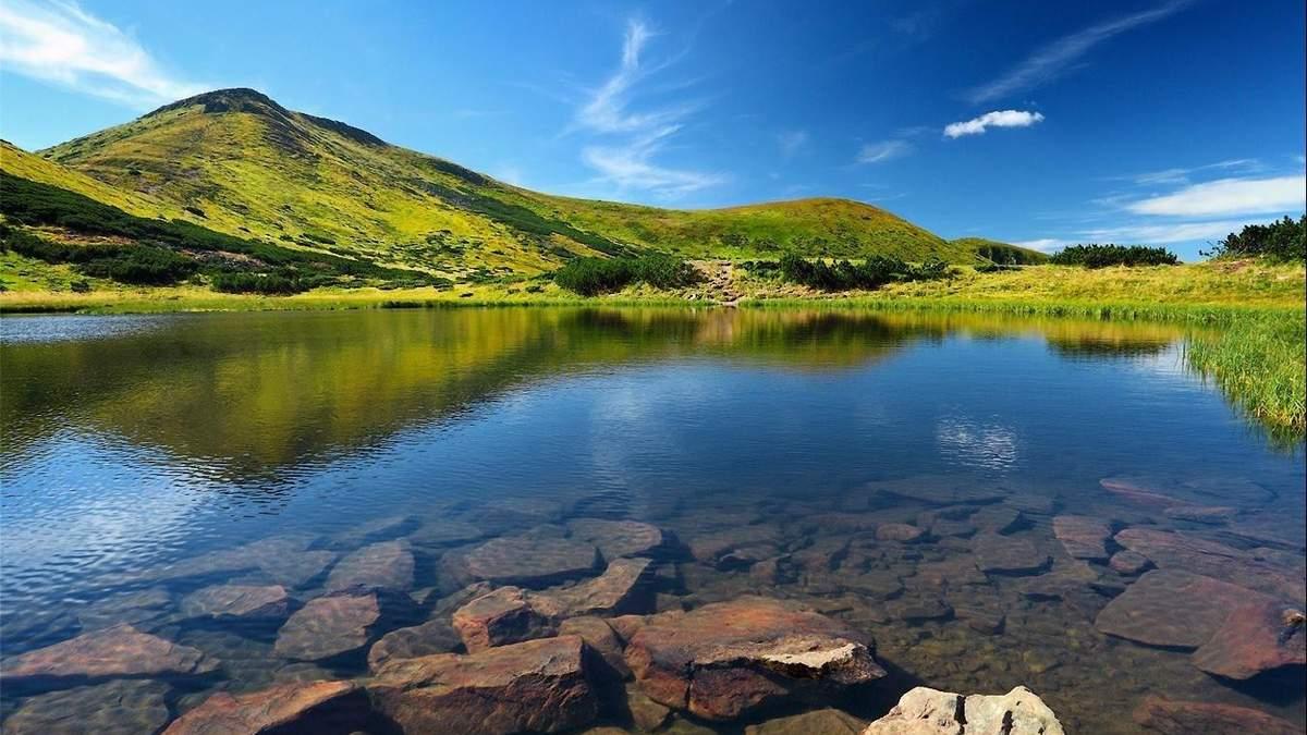 Топ-5 гірських озер, які врятують від пекельної спеки