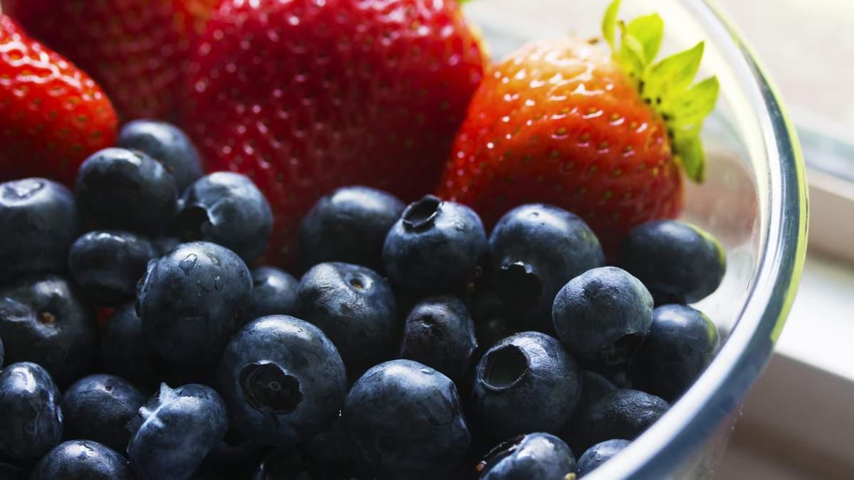 Вчені назвали найнебезпечніші фрукти, які викликають рак та інші захворювання