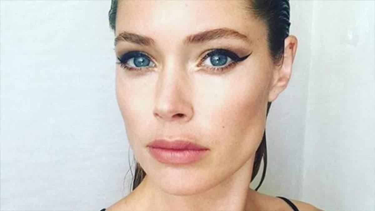 Супермодель Даутцен Крез очаровала селфи без макияжа