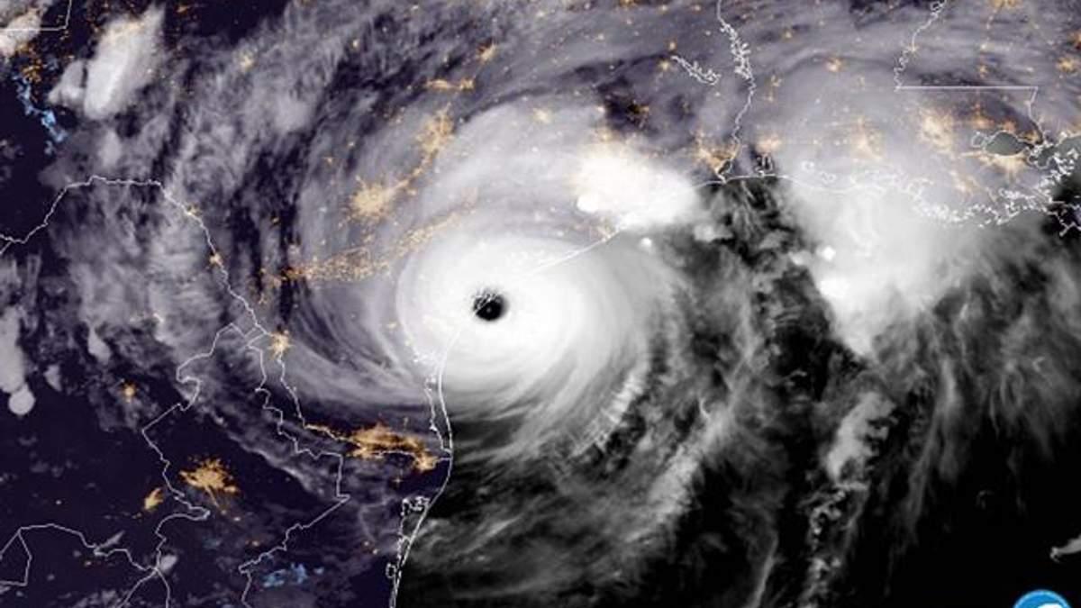 Моторошний ураган у США видно навіть з космосу: NASA показала фото та відео