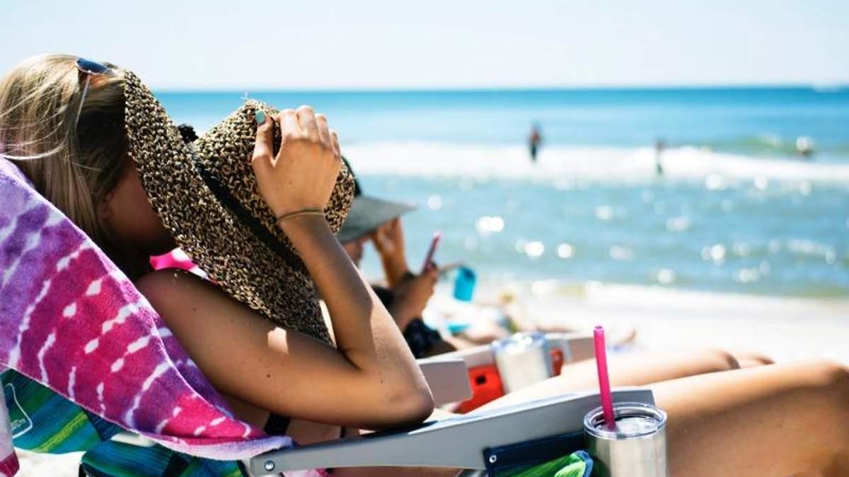 Дерматолог назвала перевірені способи, які дозволять відновити шкіру після літа