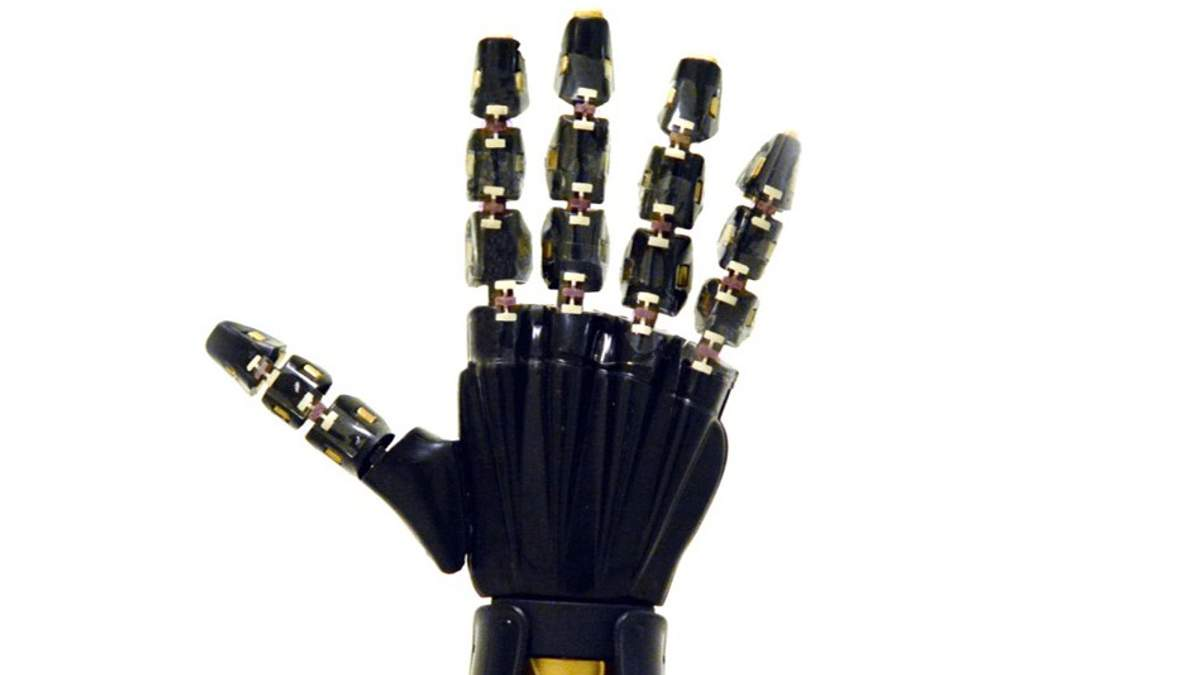 """Навіщо науковці створили """"шкіру"""" для роботів"""