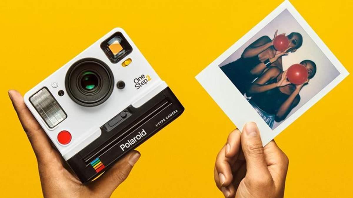 Polaroid перевипускає свою легендарну камеру OneStep: з'явилися фото