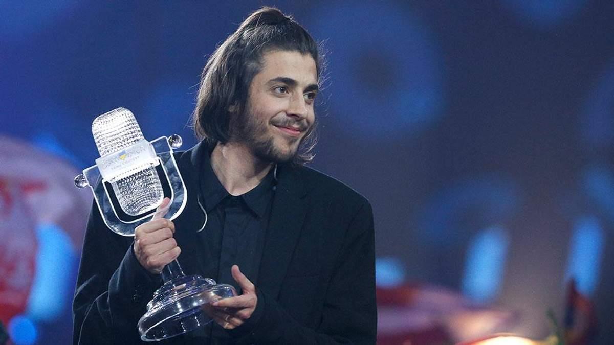 """Победителю """"Евровидения-2017"""" Сальвадора Собралу будут срочно делать операцию на сердце"""