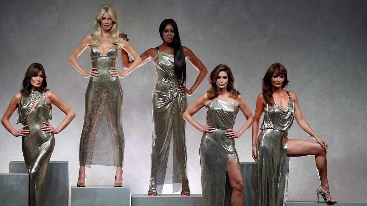 Парад зірок: Versace запросили на подіум легендарних моделей 90-тих