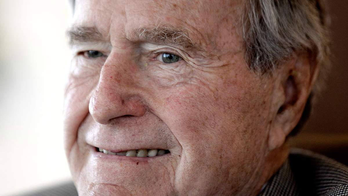 Вслед за Вайнштейном и Спейси: экс-президент США Буш оказался в центре секс-скандала