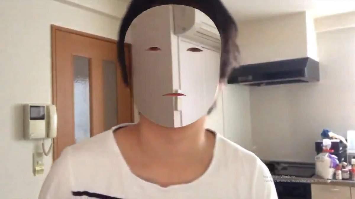 """Японець створив """"маску-невидимку"""", щоб перевірити iPhone X: відео"""