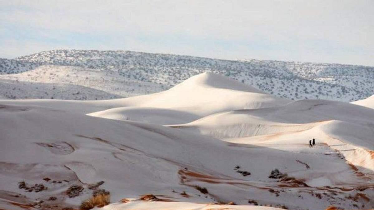 В пустелі Сахара випав сніг: фото