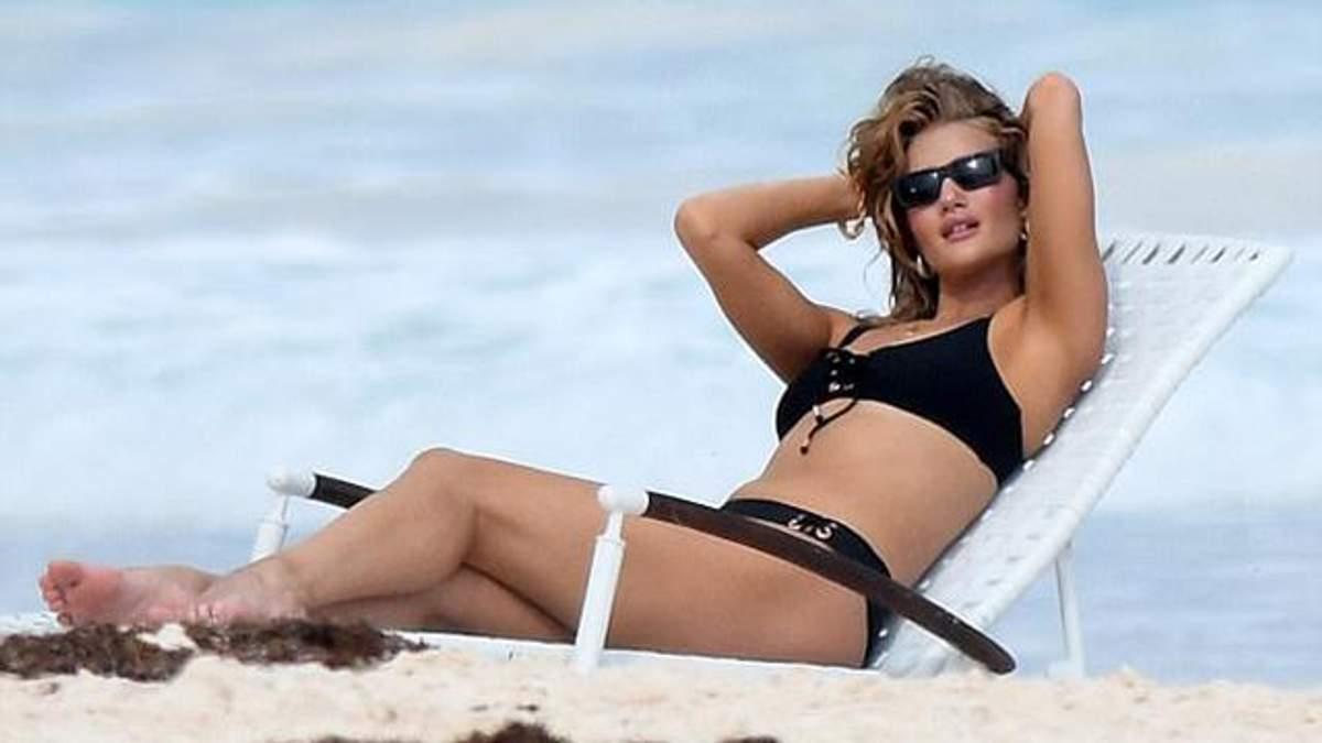 У мережі показали оголені фото моделі Розі Хантінгтон-Уайтлі