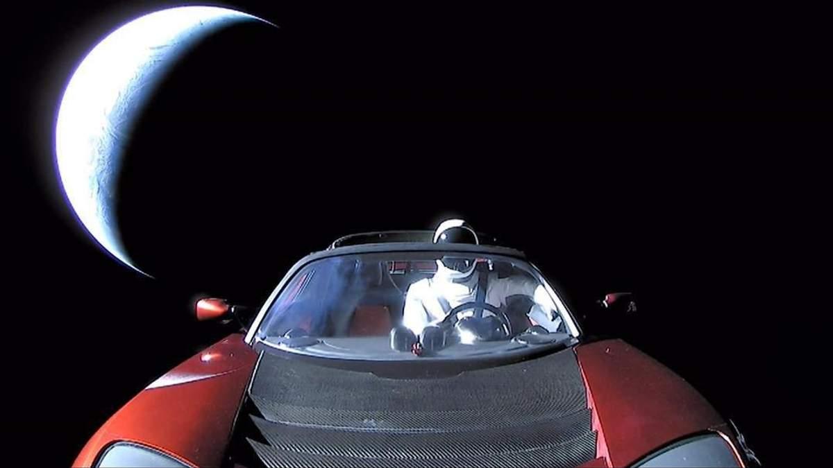 Ученые сфотографировали Tesla Илона Маска в космосе: впечатляющие кадры