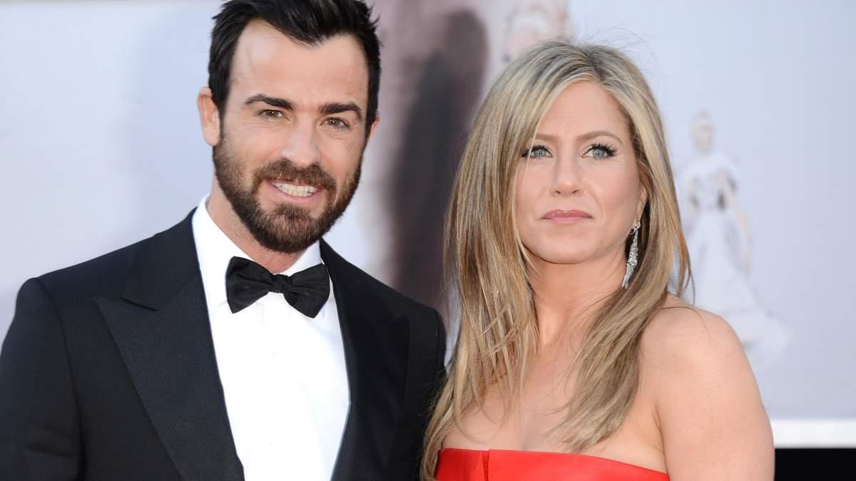 Дженніфер Еністон розлучається з чоловіком