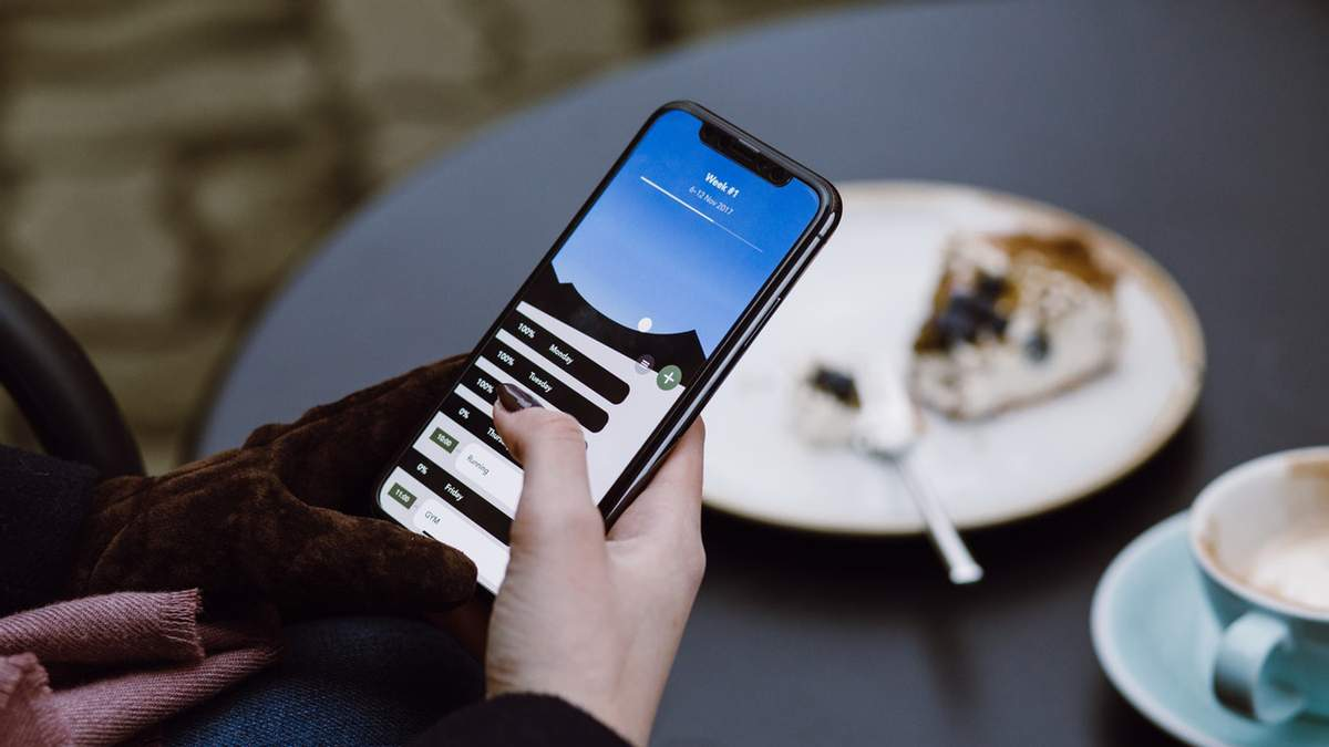 Apple випустить три нові моделі iPhone до кінця 2018 року, – Bloomberg