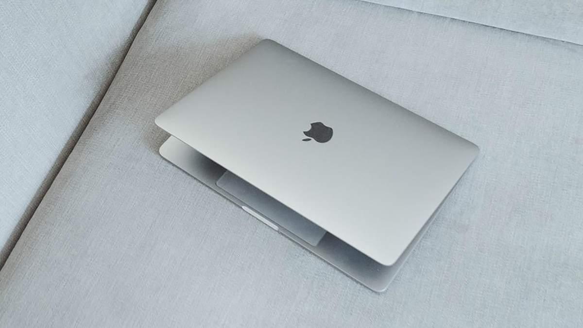 Компанія Apple запатентувала MacBook з двома екранами