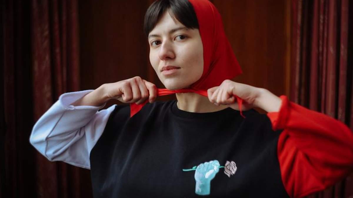 Червоні хустини і троянди: український бренд присвятив колекцію Розі Люксембург