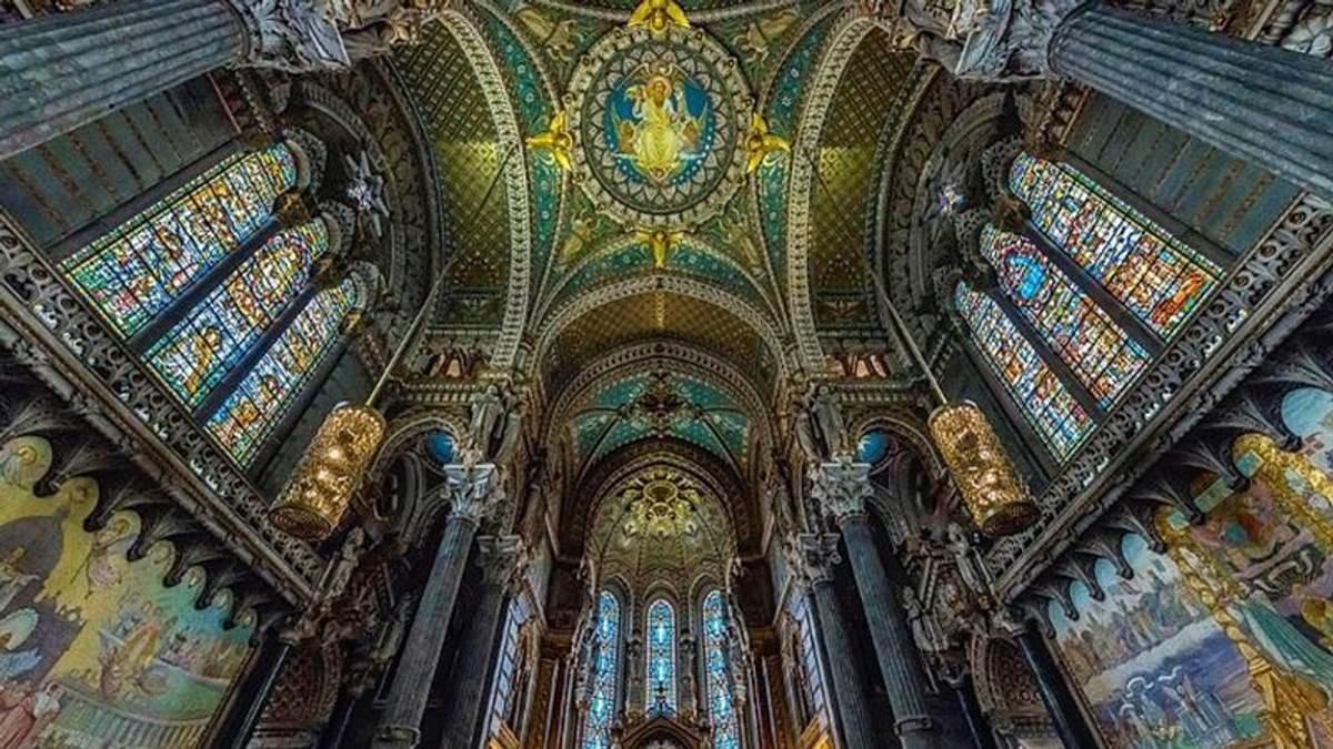 Собори у Франції сфотографували незвичним способом: оригінальні знімки