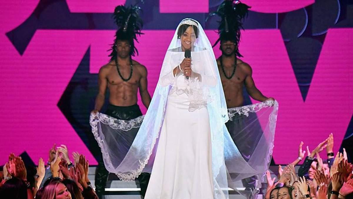 Як Меган: ведуча премії MTV Movie Awards здивувала глядачів несподіваним образом