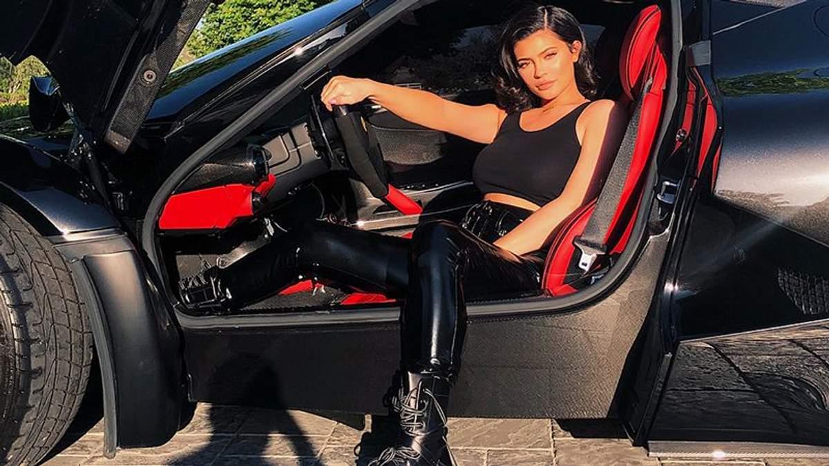 Кайлі Дженнер прикрасила обкладинку Forbes і потрапила у список найбагатших жінок США