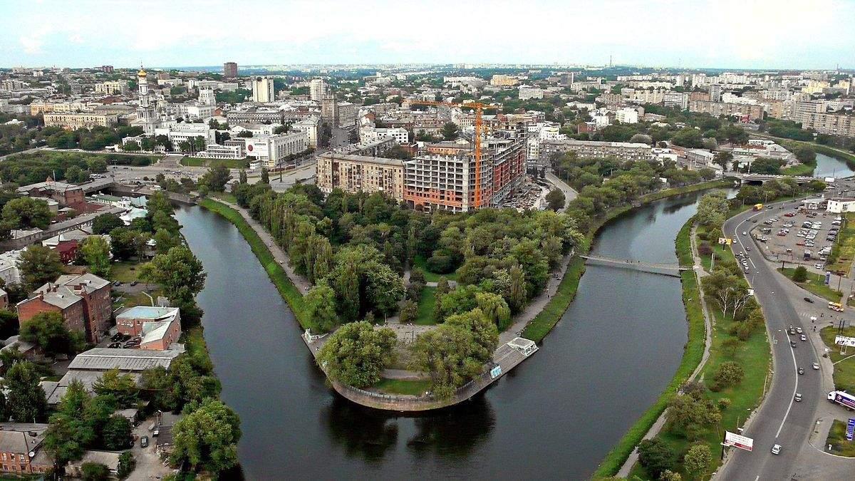 Музей секса, соленое озеро и меловые горы: что посмотреть на Харьковщине