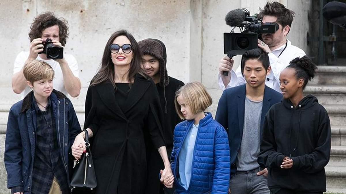 Суд зобов'язав Анджеліну Джолі піти на поступки Бреду Пітту: деталі