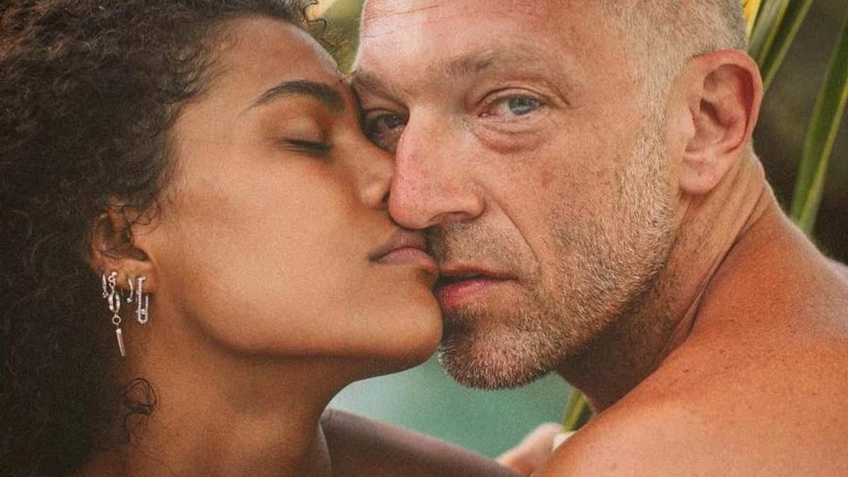 51-річний Венсан Кассель одружився з 21-річною Тіною Кунакі