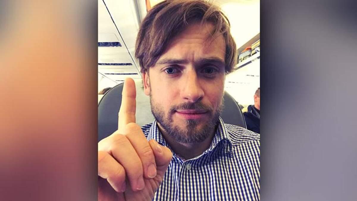 Отравленного участника Pussy Riot Верзилова доставили в Берлин: у него до сих пор галлюцинации