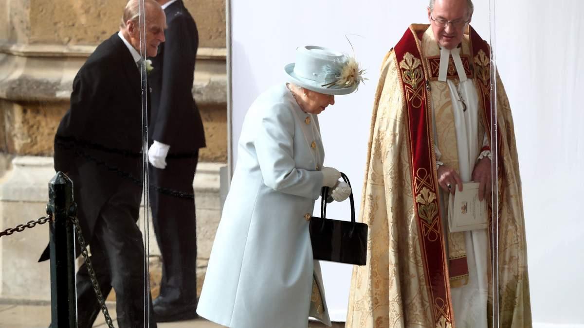 Королева Елизавета II на свадьбе принцессы Евгении