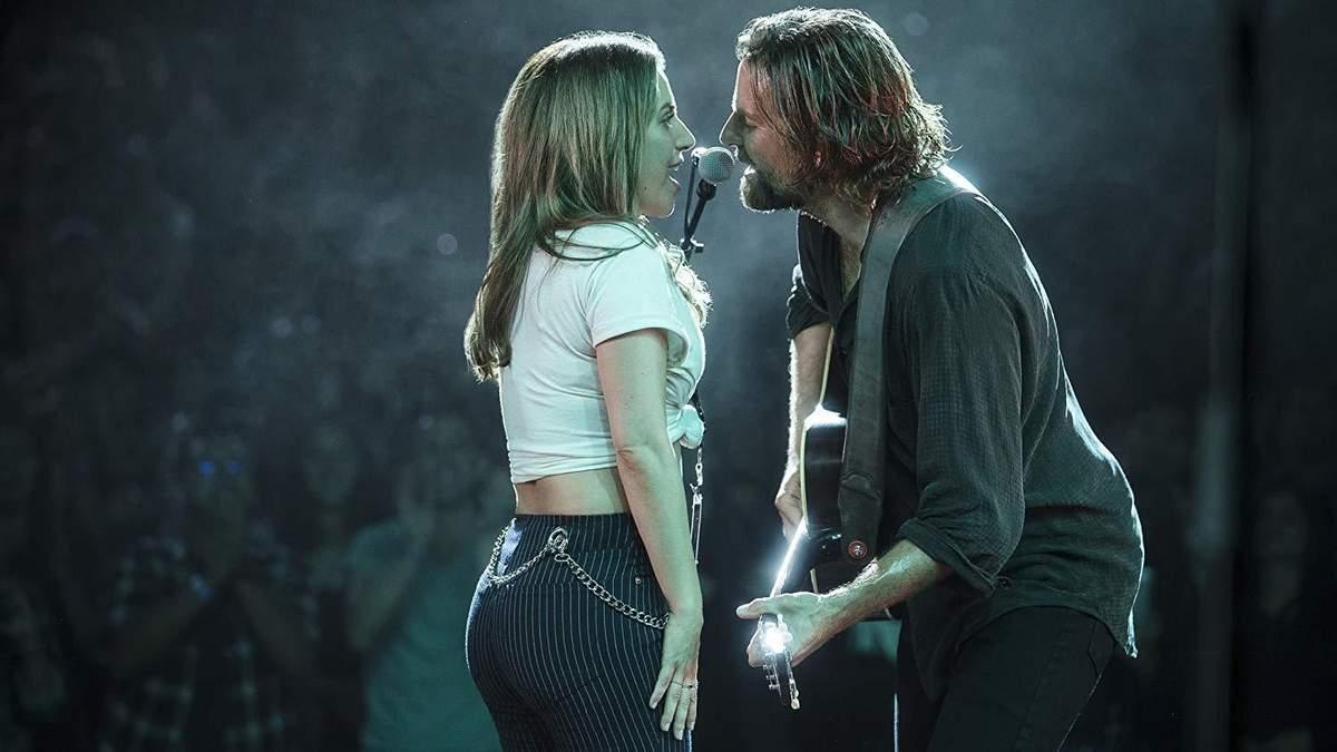 """Леді Гага і Бредлі Купер у фільмі """"Народження зірки"""""""