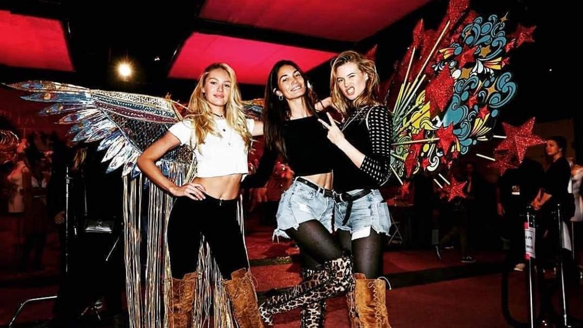 Кэндис Сванепул, Лили Олдридж и Бехати Принслу на репетиции Victoria's Secret Fashion Show 2018