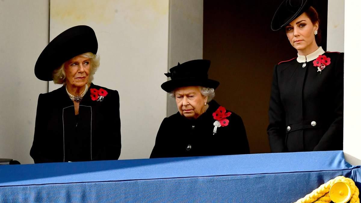 Герцогиня Корнуольская, Елизавета II и Кейт Миддлтон