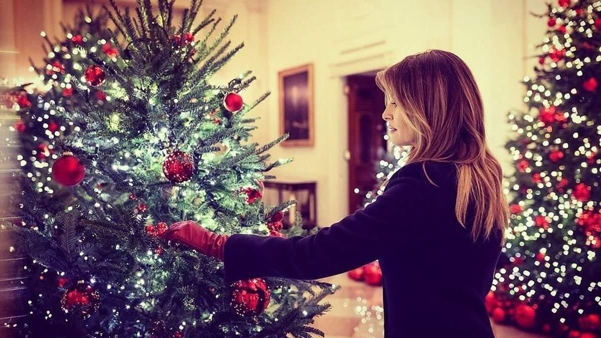 Свято наближається: як Меланія Трамп прикрасила Білий дім до різдвяних свят – фото і відео