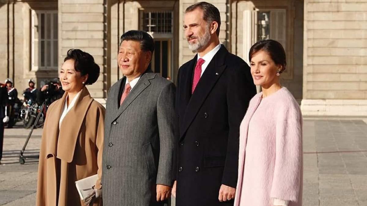 Королева Летиция принимает семью президента Китая: яркие фото
