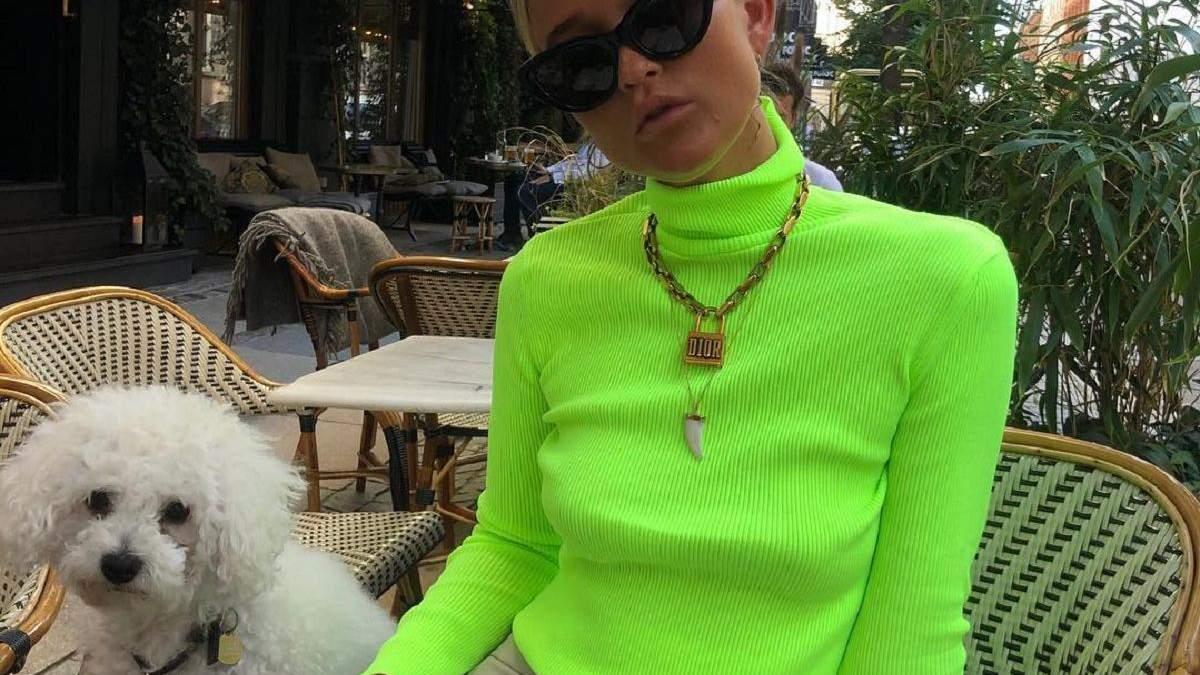 Неоновий зелений: як носити трендовий колір