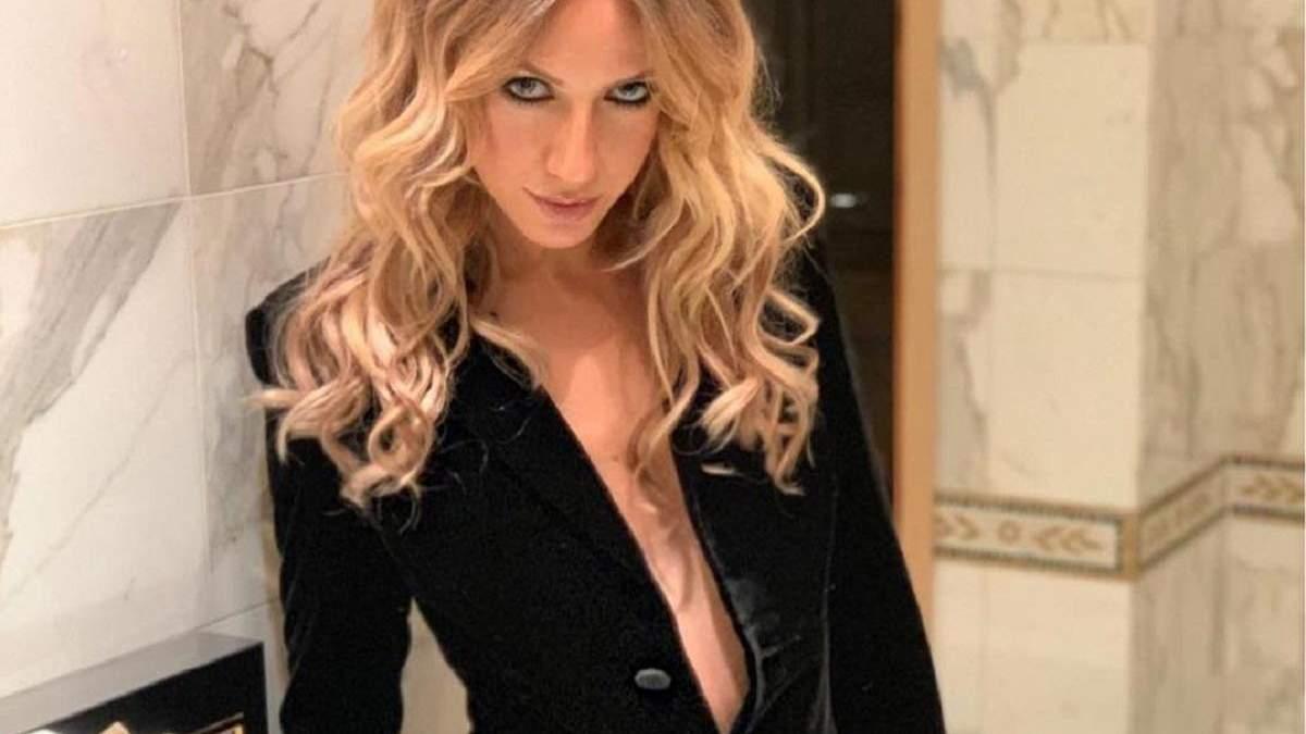 У шкіряній міні-спідниці і з пишним бюстом: провокативний образ Лесі Нікітюк
