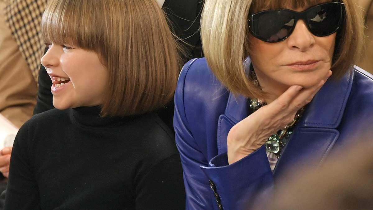Анна Вінтур і 7-річна дочка Вікторії Бекхем прийшли на показ з однаковими зачісками: фото