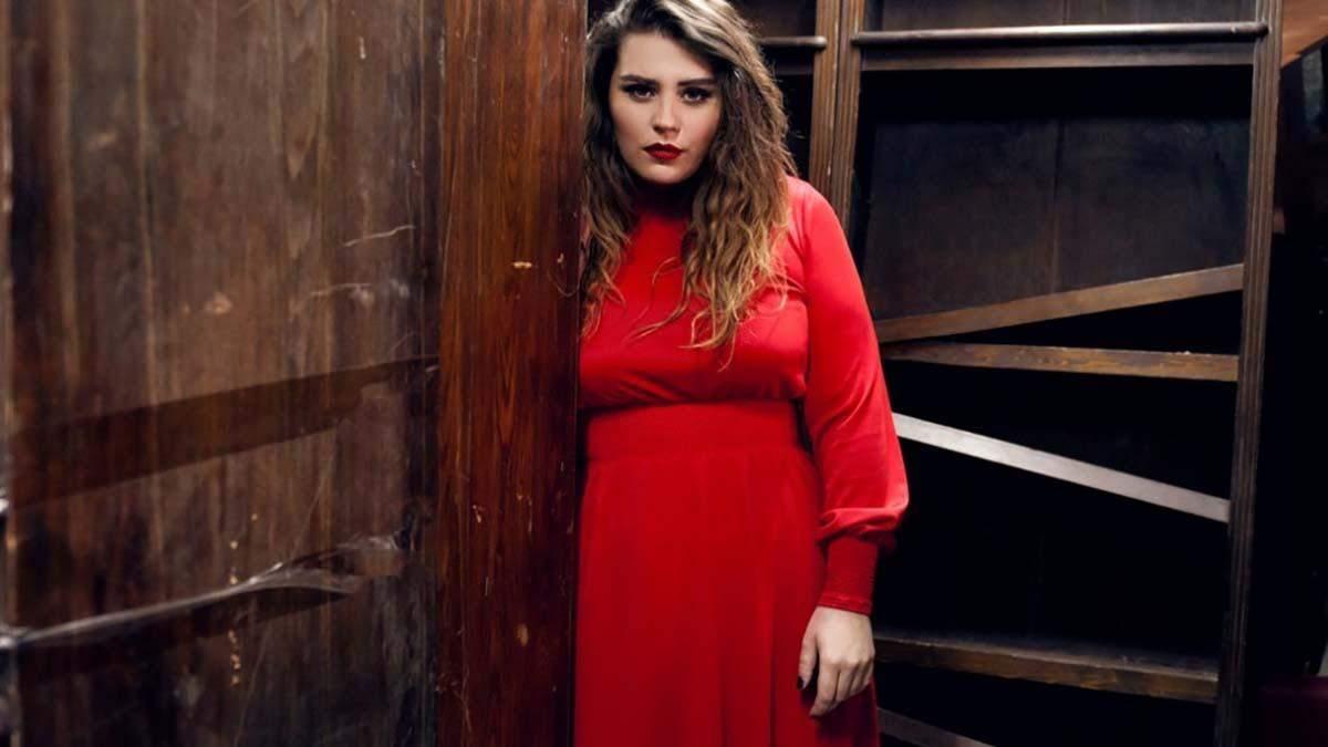 Олександра Заріцька з гурту KAZKA піснею відповіла на гострі заяви хейтерів