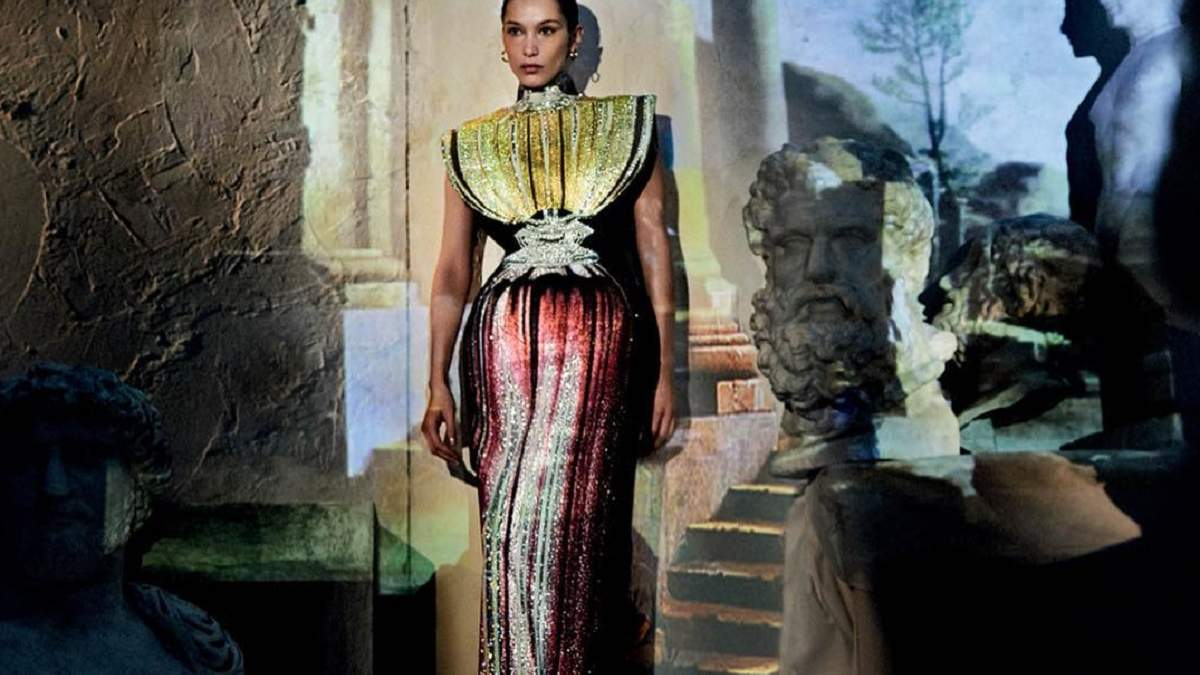 Чиста краса: Белла Хадід прикрасила першу обкладинку грецького Vogue
