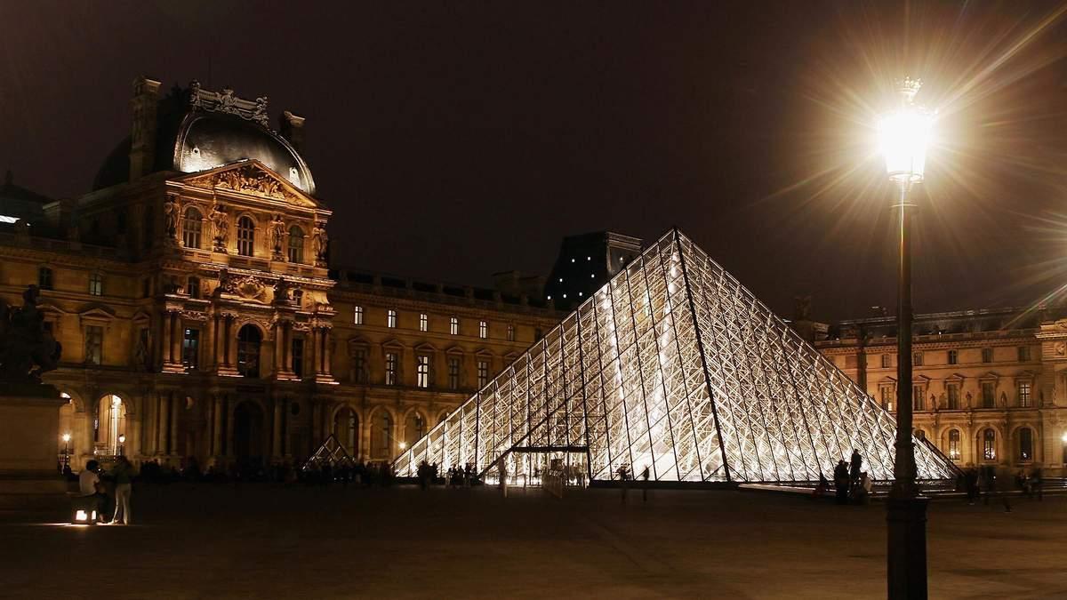 Ночь с Моной Лизой: сервис Airbnb и Лувр разыгрывают уникальный лот