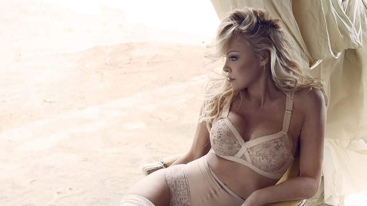 Памела Андерсон снялась в соблазнительной фотосессии со своим бойфрендом