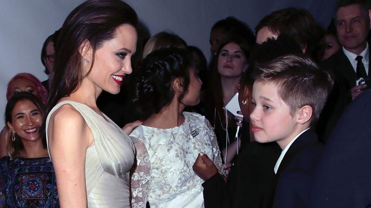 Дочь Джоли и Питта готовится сменить пол