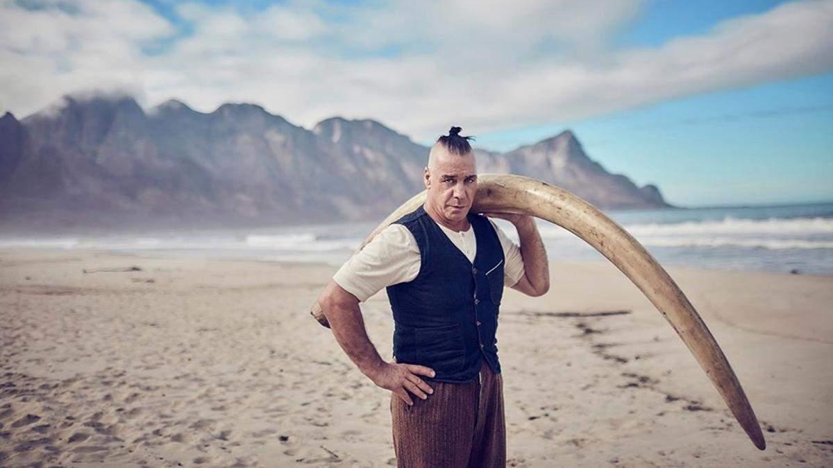 Соліст Rammstein Тілль Ліндеманн зламав щелепу прихильнику: відома причина інциденту