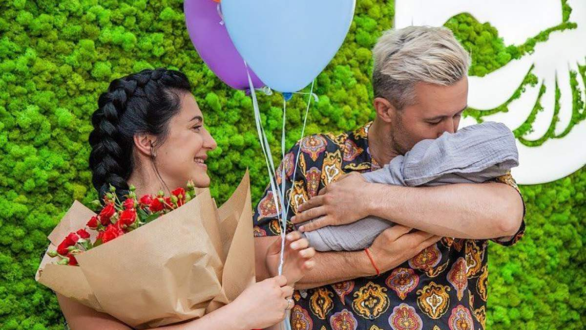 Сергей и Снежана Бабкины покинули роддом: очаровательные фото с сыном