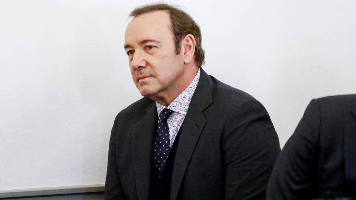 Против Кевина Спейси отозвали один иск в секс-скандале