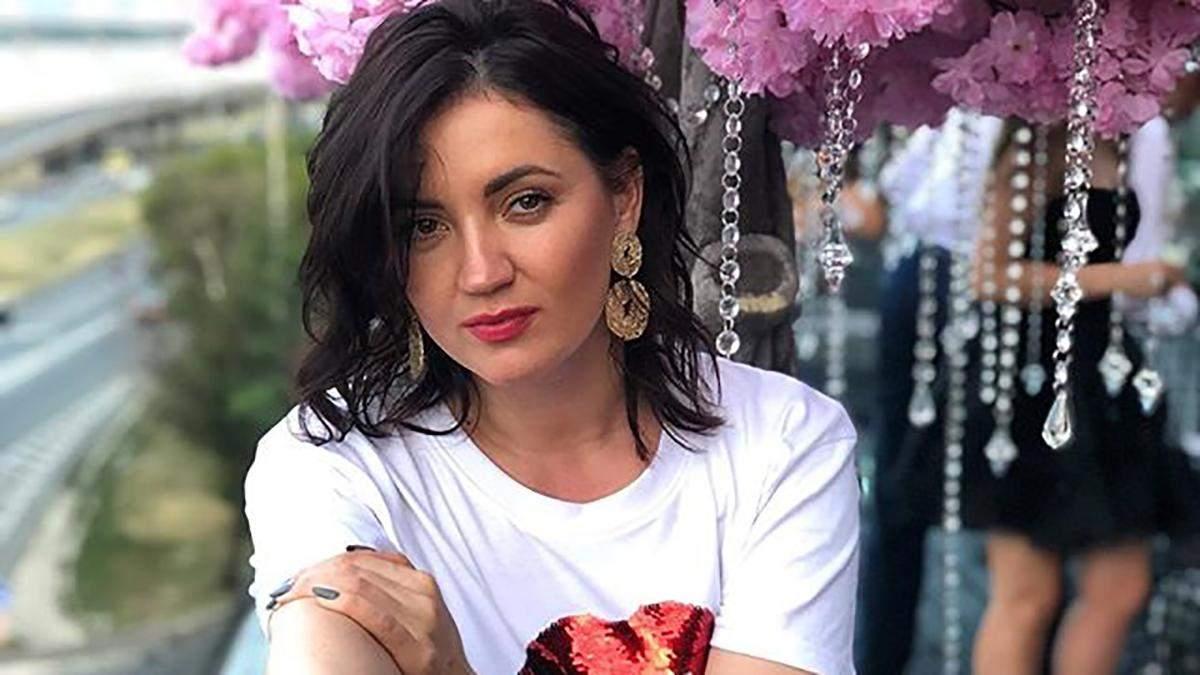 Оля Цибульская обнажила ягодицы на горячем фото