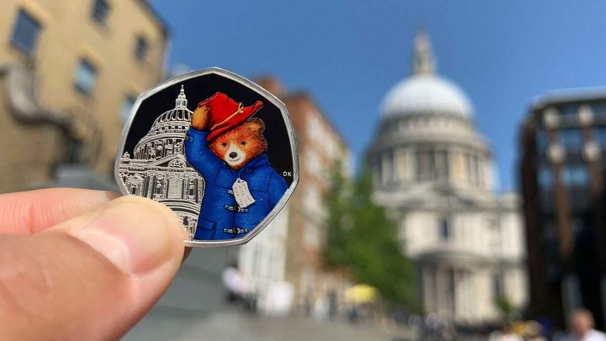 Монеты с медвежонком  Паддингтоном выпустили в Великобритании: милые фото